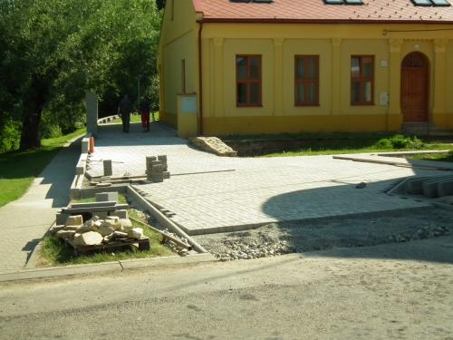 Stavba chodníku